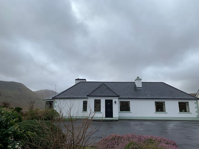 Lakeview, Lough na Fooey, County Galway (House)