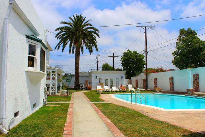 Hostel in Los Angeles - CA (shared rooms)