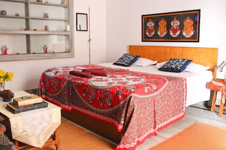 Purple Lotus Home Stay - Private Double Room