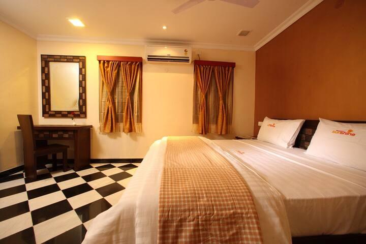 Few km to Gandhi Memorial Museum/cosy rooms