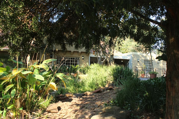 6 on Westbrooke Guest House