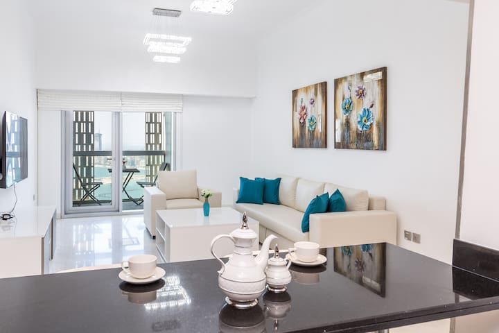 Beautiful Modern Apartment in Cayan on 42nd Floor