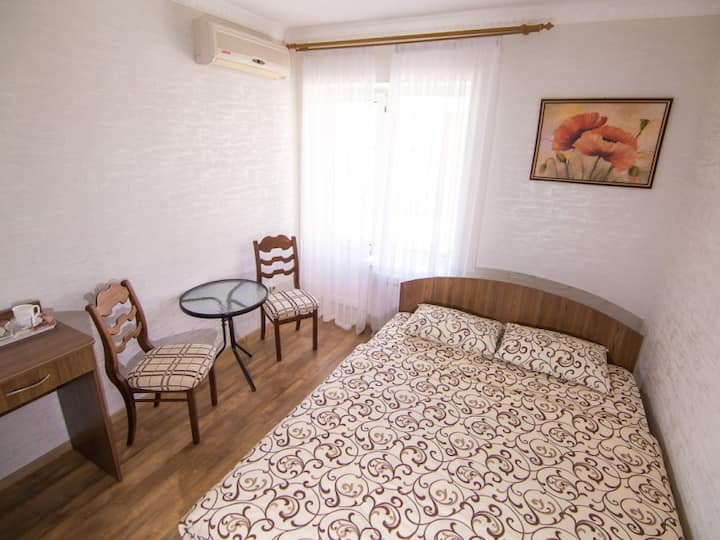Building №1 Double room with a double bed. hotel maxim