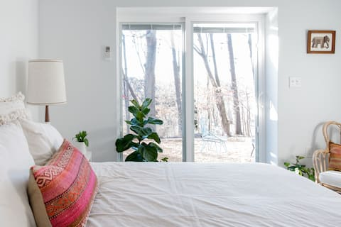 Boho-Chic Apartment One Mile from Downtown Asheville