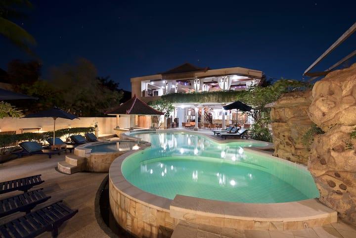 Paradise Found - 2 Standard Rooms @ Villa Almarik