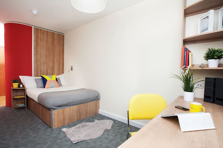 Modern Ensuite Student-Only Rooms in Bath