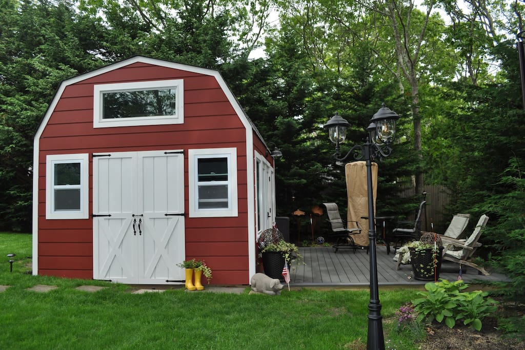 This huge She Shed is a great additional hang out to the main house stay. Great deck to spend relaxing time ....any time.