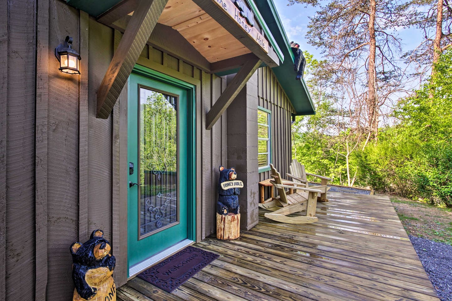 Up to 8 guests can escape to this 3-bed, 1-bath cozy Sevierville cabin.