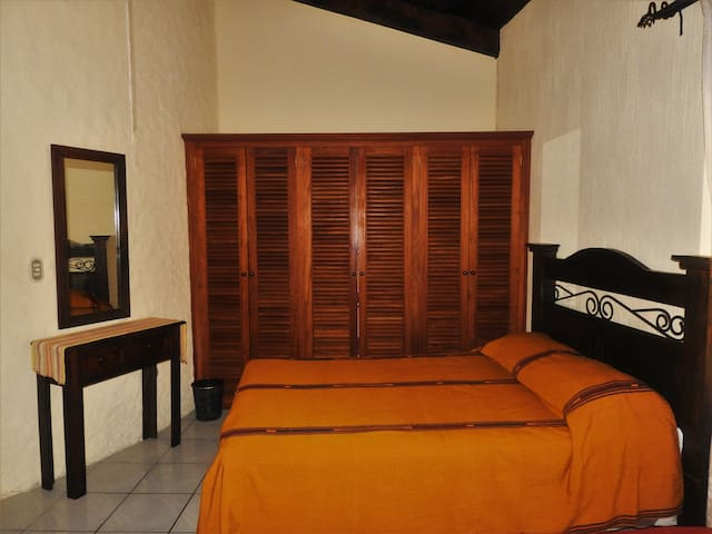Hostal Los Recoletos -Your Hotel for Good-