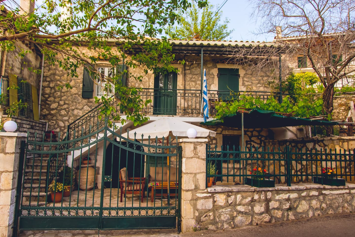 A beautiful guesthouse with balcony and a yard all exclusive for the Travelers...