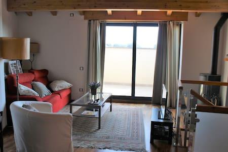 Peacefull duplex village Castellcir. 45 Km BCN