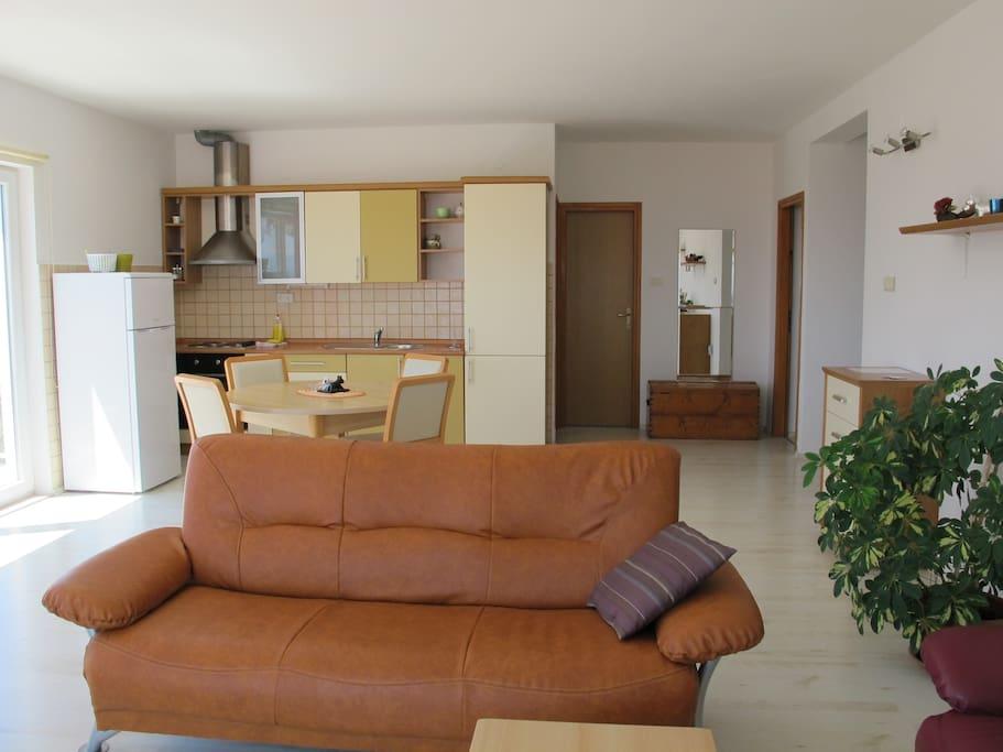 Dnevna soba / kuhinja