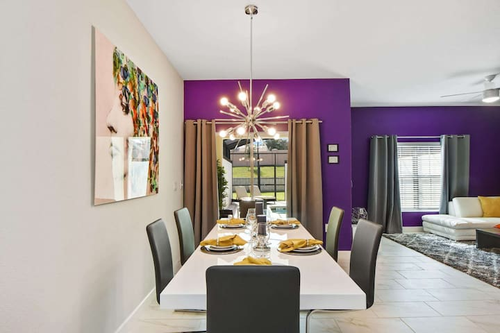 Dinner time is often the time to discuss the day's activities and really bond with your family. Dining in the privacy of your own vacation home will allow you that quality time without the noise and interruptions that a restaurant can cause.