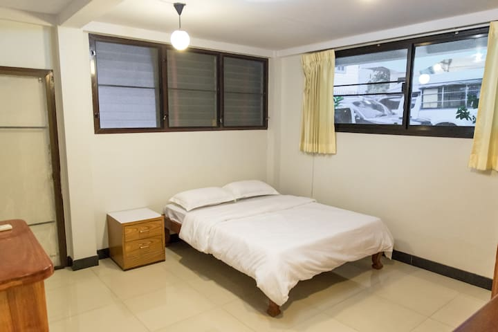 Simple room middle of the city+airportlink+bts A - Bangkok - Apartament