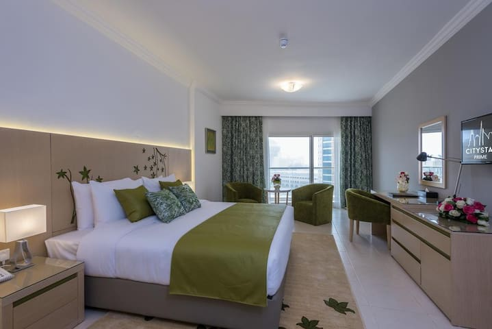 Private room in serviced hotel apartment near MOE