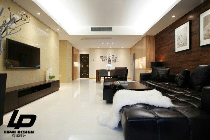 百香屋是一间130平方市中心高层独户公寓精装两房两卫。客厅宽敞大气,欢迎来给超大阳台的百香果浇浇水哦