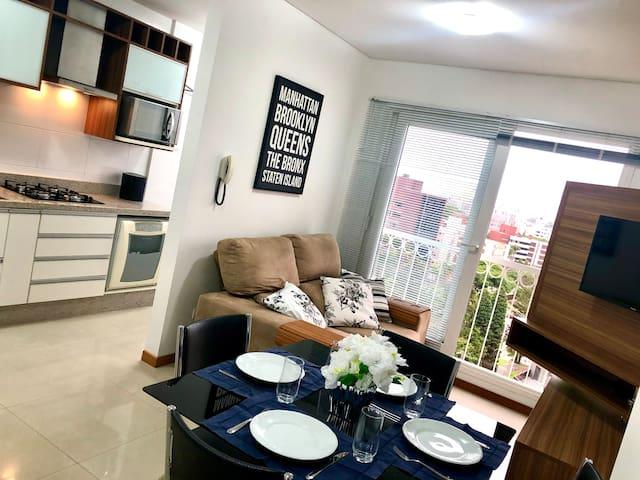 Ótimo Apartamento no Batel, com garagem!