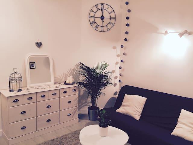Studio romantique, au calme, au coeur de la ville - Grenoble - Byt