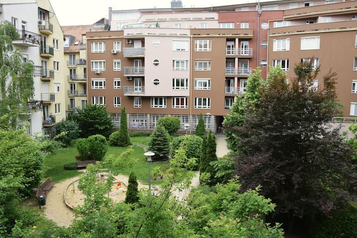 Cosy and friendly flat near the Danube - Budapest - Apto. en complejo residencial