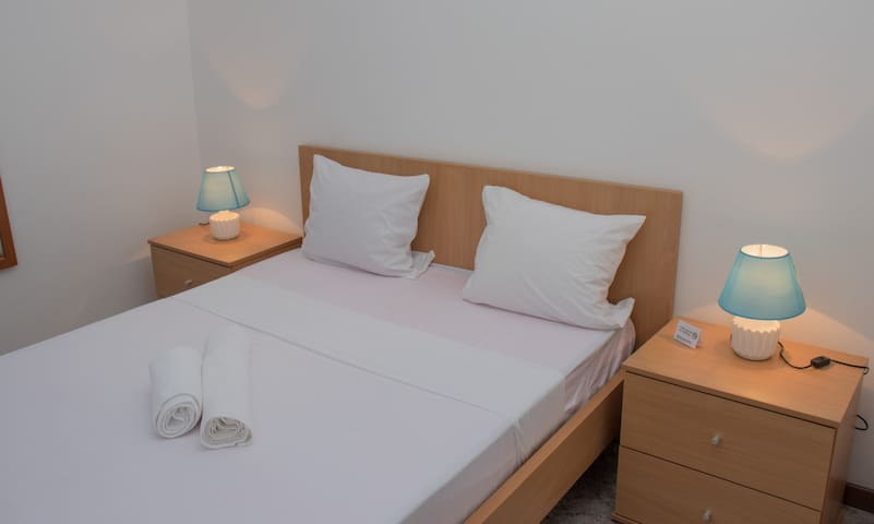 Plateau Bedroom & Chambre - Praia Center Q5