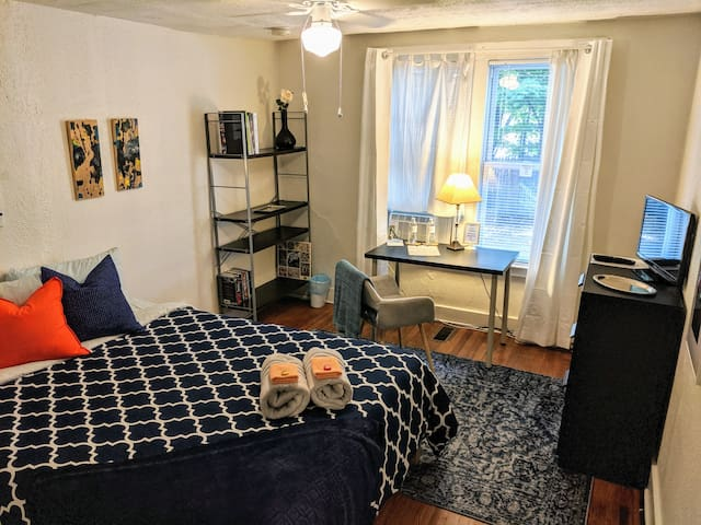 Two bedrooms, Close to Yale, SOM, Downtown&Train