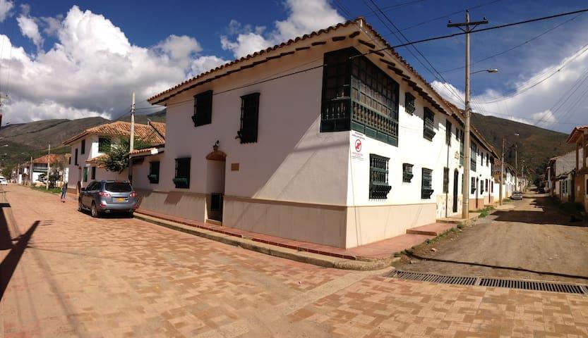 Casa Urbana. Ideal para conocer Villa de Leyva. - Villa de Leyva - House