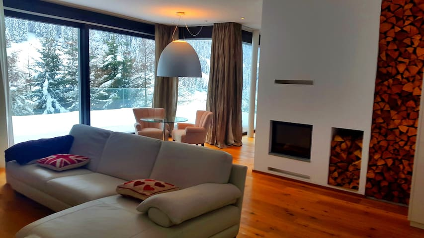 Alpine luxury Apartment and SPA Area near Ischgl
