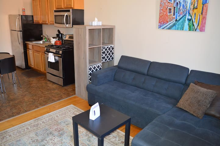 City Center.  Single Queen Unit. No Cleaning Fee.