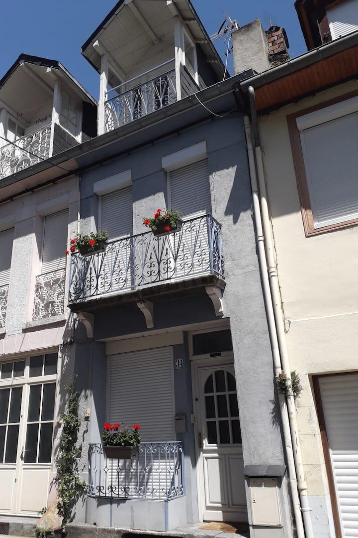 La maison bleue au coeur de Luchon
