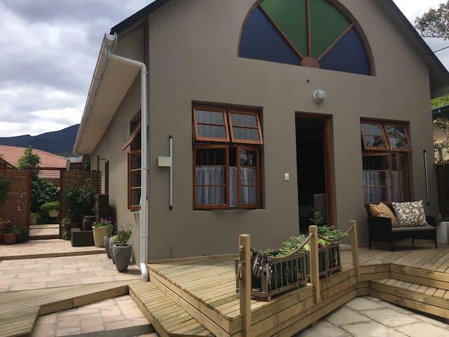 Rozenhof Guest Cottages Chilli