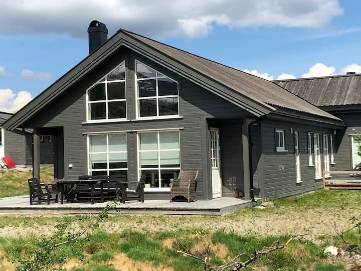 Modern cabin at beautiful Høgevarde 900 masl