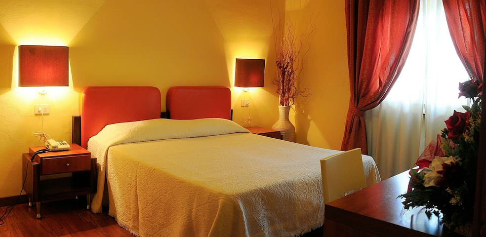 Hotel Le Ruote - Pieve A Nievole - Bed & Breakfast