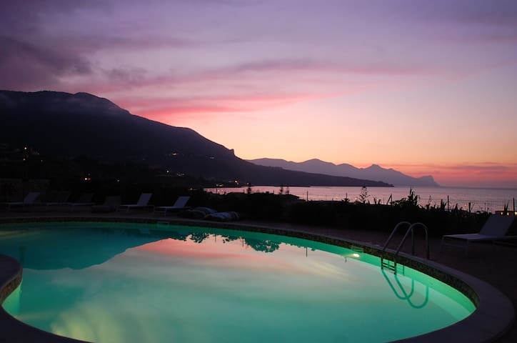 Houses with swimming pool, sea view - Castellammare del Golfo - Huoneisto
