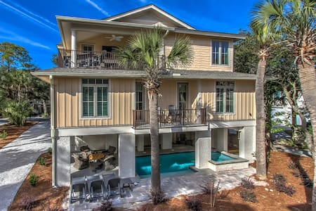 Oceanview Luxury 5 BR/8BA Home on N. Forest Beach