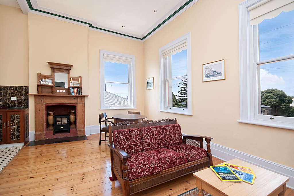 Rosalie 39 S One Bedroom Apartment Serviced Apartments For Rent In Portland Victoria Australia