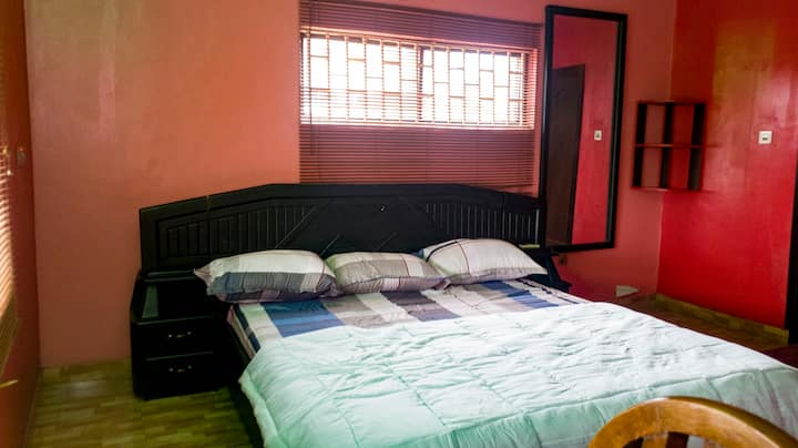 Extremely comfortable and private room in Omole
