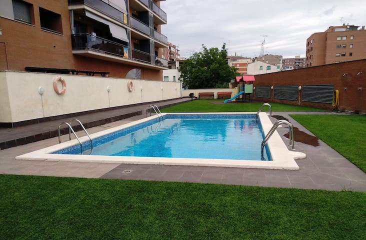 La Caseta de Balaguer. Cèntric, pàrquing, piscina.