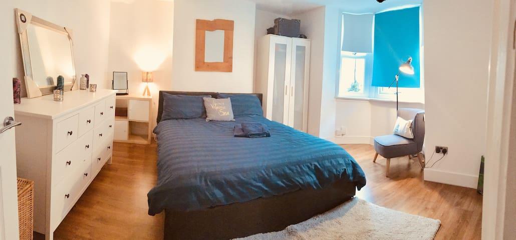 Comfortable & welcoming garden flat