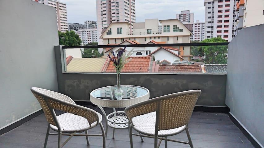 ♡Amazing Spacious Apartment Unit @ Katong ON2