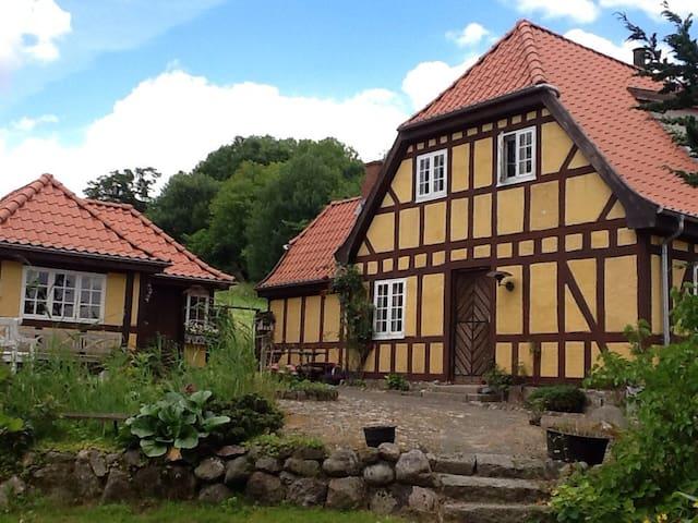 Idyllisk hus i fredet område llI - Vejle