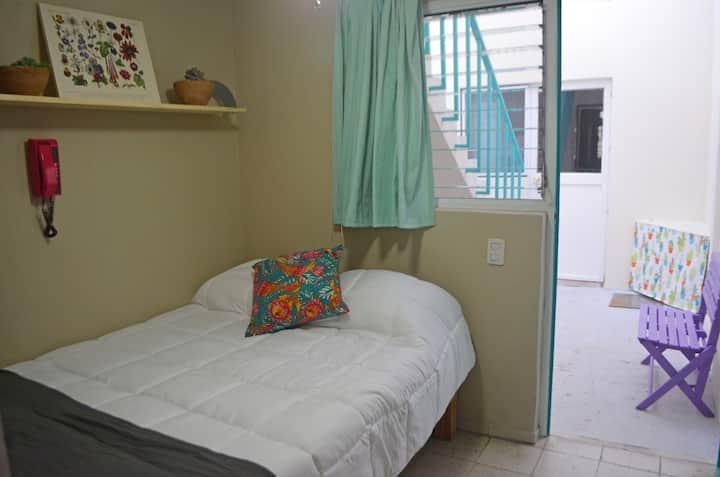 """Habitación Lola / """"Casa Suculenta"""" en Providencia"""