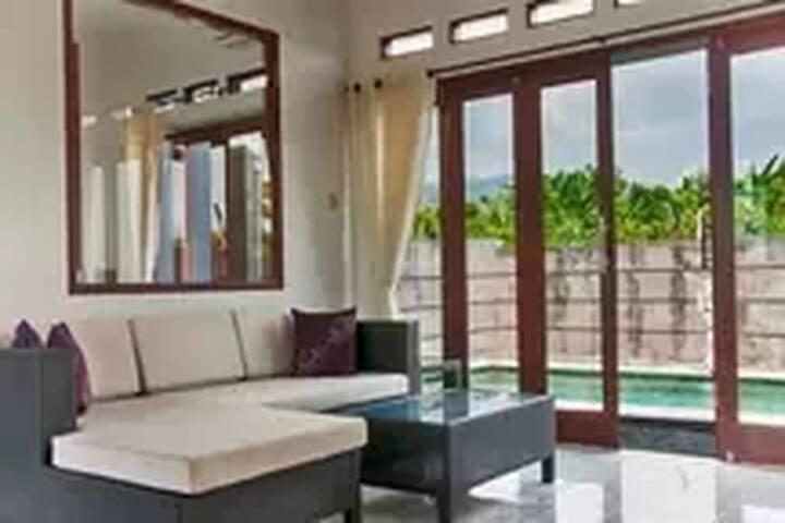 private 1 bed pool villa close Lovina