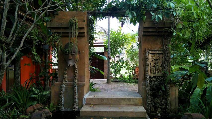 Amata Garden Home บ้านสวนอมตะ