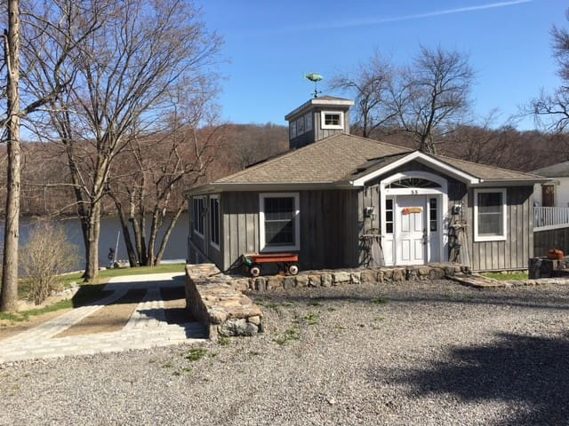 Lake House Retreat at Kirk Lake - Mahopac