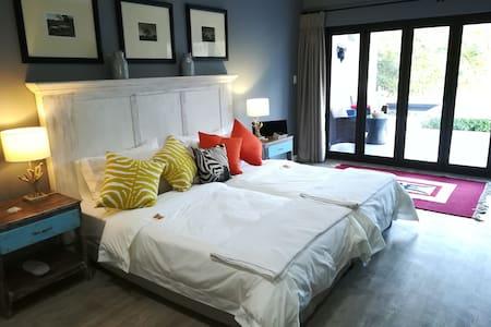 Christofphs Guesthouse - Karoo Luxury Room