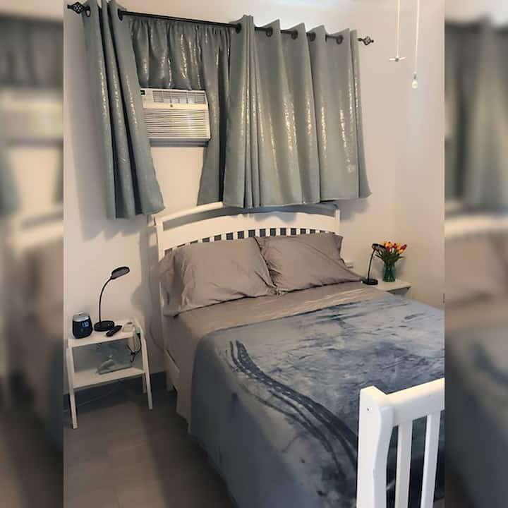 Hidden treasure cozy room/new/private/own bathroom