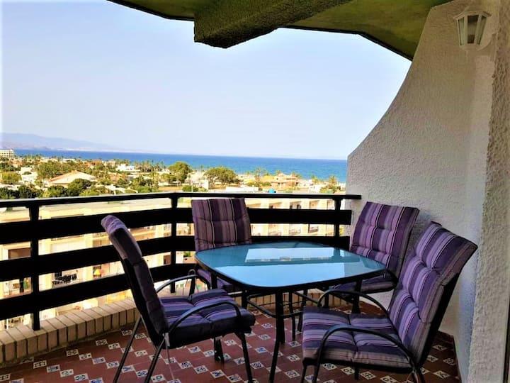 Apartamento 2  hab. con excelente vista y piscina