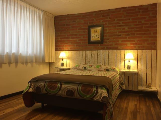 AMAZING LOCATION / COOL NEIGHBORHOOD / ALL U NEED - Quito - Apartmen
