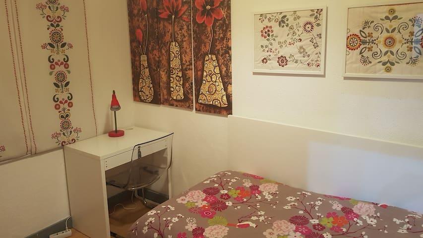 Bed&Shower-Single Room Interior Window&Shared Bath