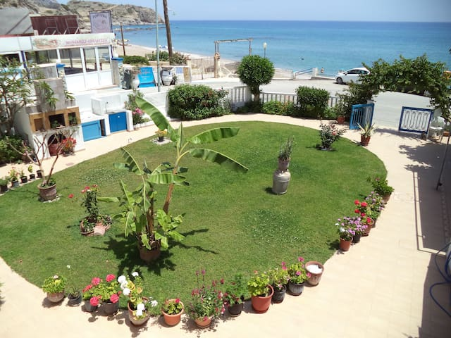 Antonios Apartments, 30m from beach, sea view - Stegna